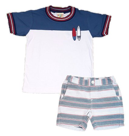 Conjunto Infantil menino de camiseta branca com detalhes em marinho ... 9d8e6a8bf816f