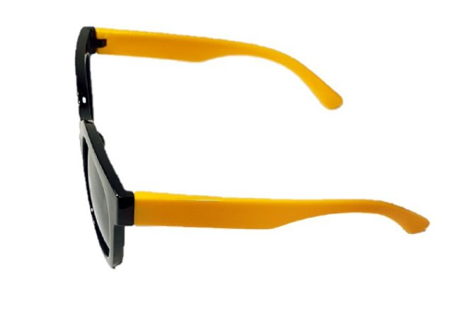 5b49b23e6 Óculos infantil menino em acetato preto com haste amarelo e proteção UV400