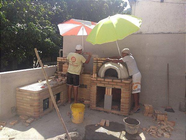 Churrasqueira em L com forno e fogão a Lenha mais Forno de Pizza a Lenha Bege