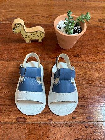 Sandália Azul e Branca com Barco