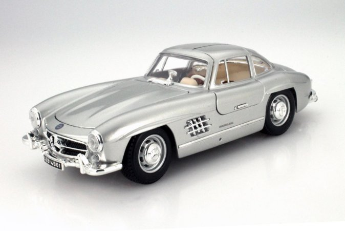 MERCEDES BENZ 300 SL 1/18