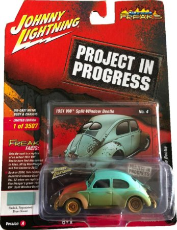 JOHNNY LIGHTNING VW FUSCA AZUL PROJECT IN PROGRESS 1/64