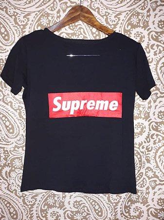 Blusa / T-shirt com Corte No Peito: Supreme