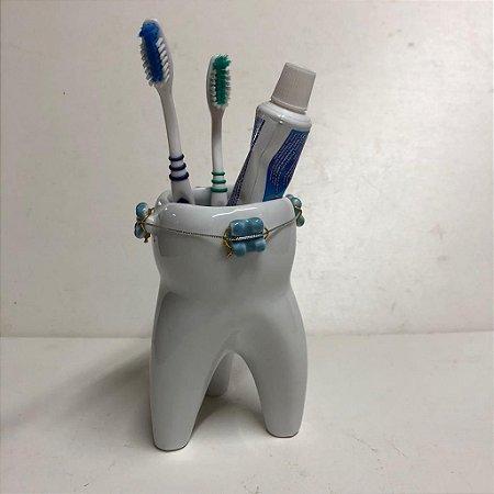 Porta escovas em forma de dente com aparelho dentário - Azul