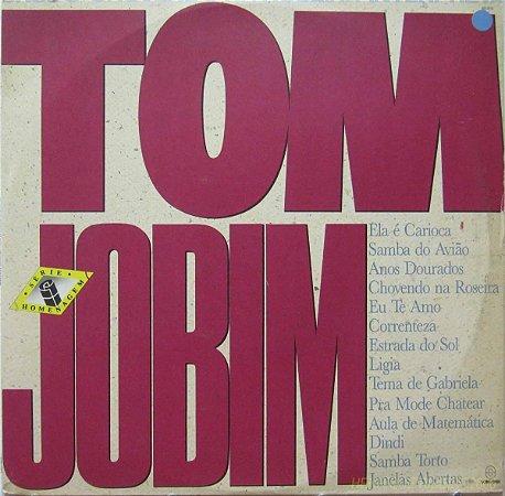 Grupo Chovendo Na Roseira Interpreta Tom Jobim