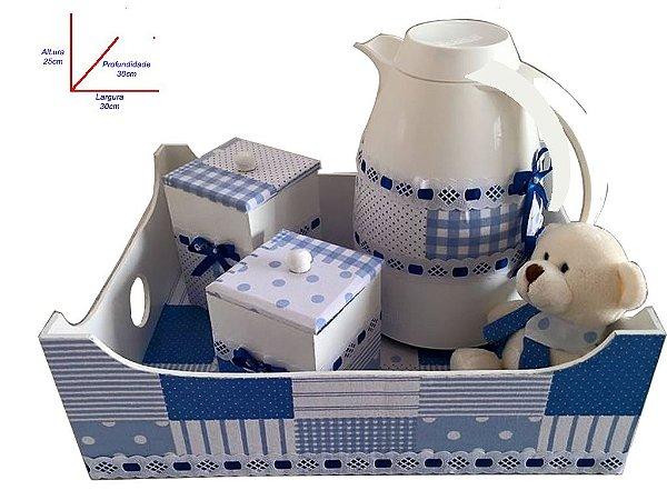 Kit higiene acompanhado de garrafa térmica