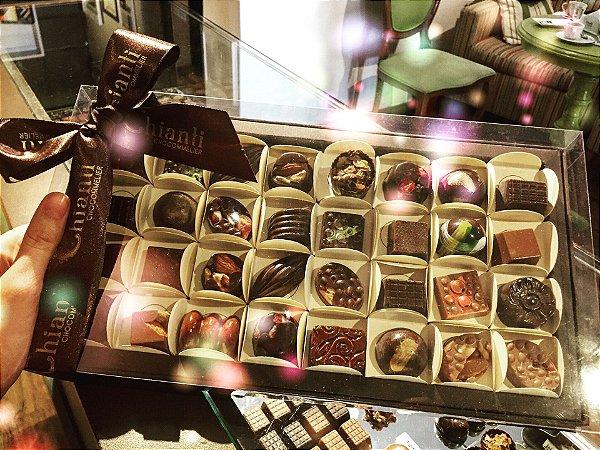 Caixa com 32 chocolates belgas sortidos