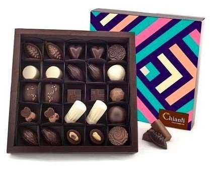 Caixa com 25 chocolates belgas sortidos