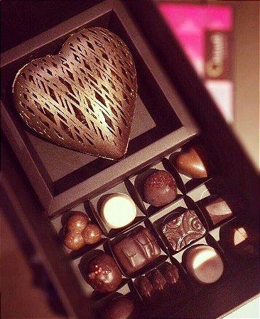 Paquet Chocolover - Coração Rendado e 12 bombons recheados