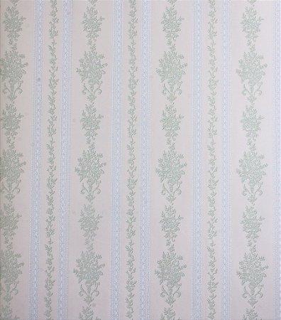 Papel de Parede Grace Listrado com Ramos Verde Claro e Branco - GR921803