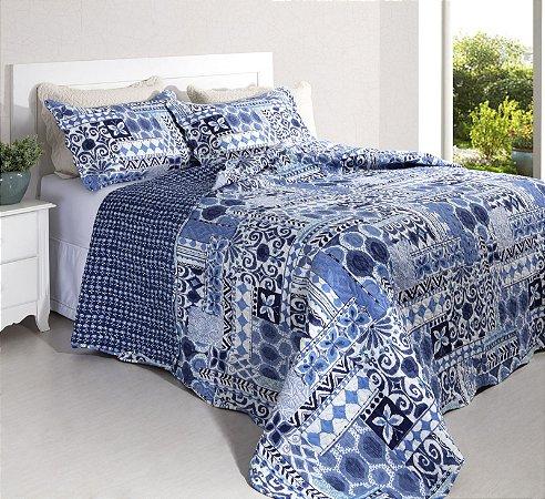 Colcha Casal Patchwork Portofino 7 Branco com Tons de Azul 2,40 x 2,20 - 3 peças