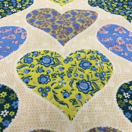 Tecido Tricoline Chita Patchwork Corações com Flores Creme e Amarelo Gramado 108