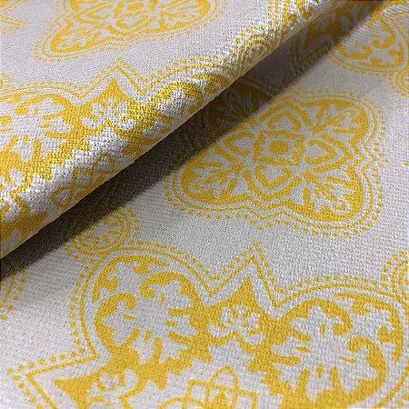 Tecido Veludo Estampado Fundo Bege com Brasões Amarelo – Califórnia 18