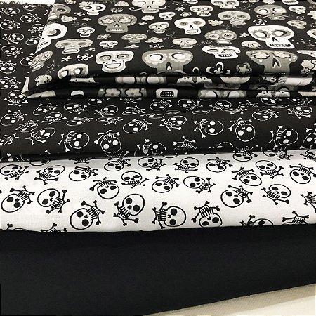 Kit de tricoline Caveiras branca fundo preto/ branca fundo preto (10 Unidades) 50 x 70 cm 100%Algodão