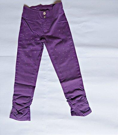 Calça  infantil com lycra , detalhe strass na perna