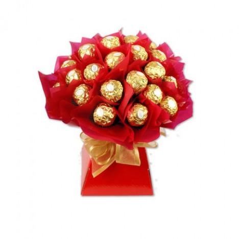 Buque De 24 Chocolate Ferrero Rocher Presente Para Namorados