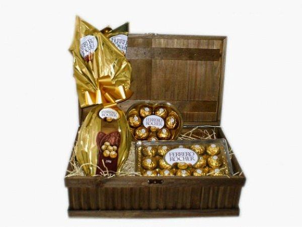 Cesta Chocolates, Baú Com Ferrero Rocher Bombons e Ovo De Páscoa