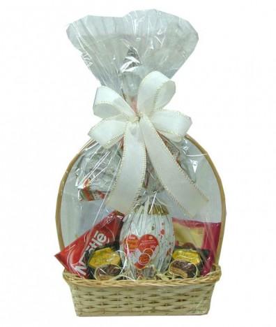 Cesta De Chocolate, Ovo de Páscoa Serenata, Bombom Com Licor e Alfajor