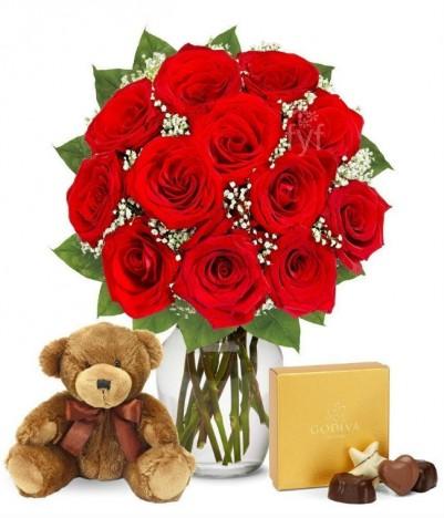 Cesta de Chocolates Para Namorados, Arranjo Flores e Urso de Pelúcia