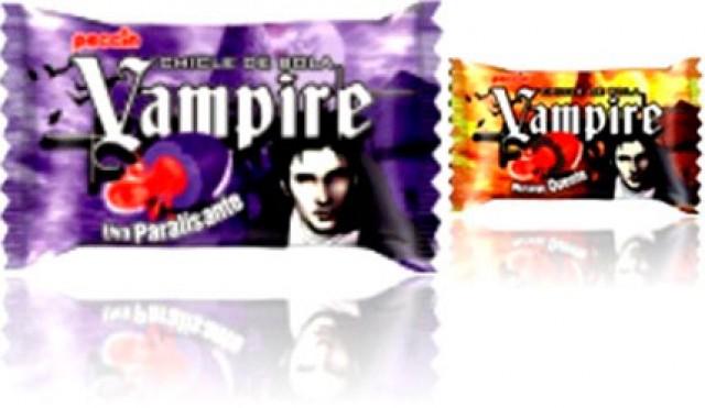 Chicle Bola Black Recheio Líquido Pinta Língua de Preto Halloween Edition - Vampirito