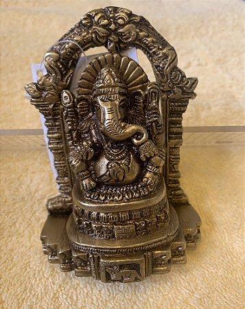 Estatueta de Ganesh no Arco
