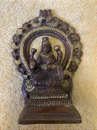 Lakshmi no arco pequena 2 cores