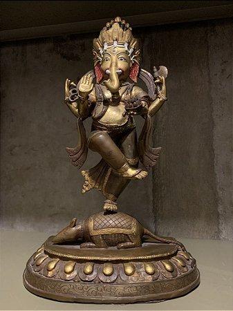 Ganesh dançando