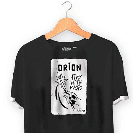 Camiseta Orion Play With Magic - Dupla Manga - Ilhós