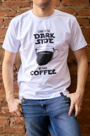 Camiseta Masculina Star Wars - Come to the Dark Side We Have Coffee