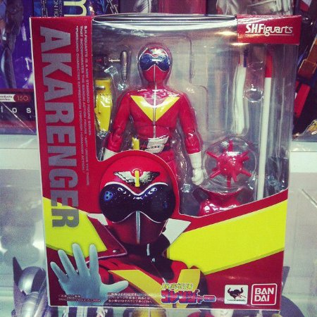 Power Rangers S.H.Figuarts Red Ranger Akarenger