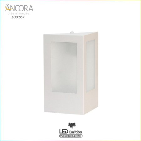 Arandela #957 Branco Triangular Interna / Externa 1 Lampada E27 180x180x240mm - Halopin 40w / 3w Led