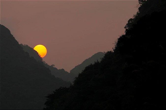 Sol em Cat Ba Island, Vietnã