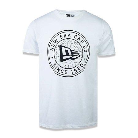 Camiseta New Era Essential Since 1920 Branca