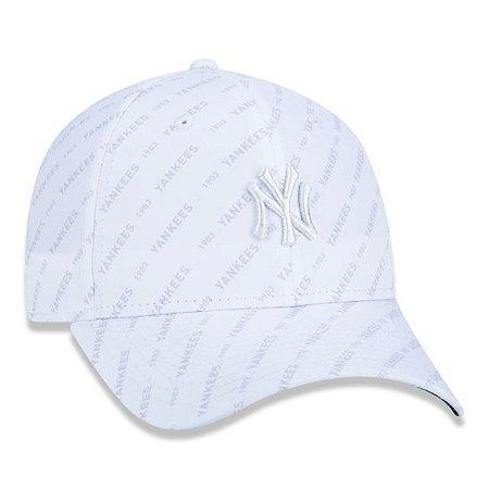 Boné New Era 940 MLB New York Yankees Monotone Allover Branco