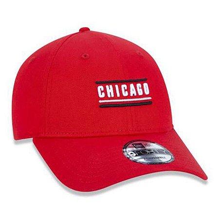 Boné New Era 940 NBA Chicago Bulls Color Stripe City Vermelho