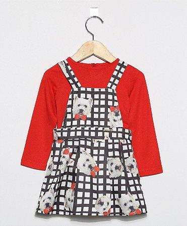 1505 - Salopete com estampa xadrez cachorro e blusa vermelha