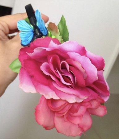 Tiara com flores