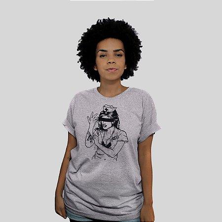 Camiseta 182Life Enema Girl Cinza Mescla