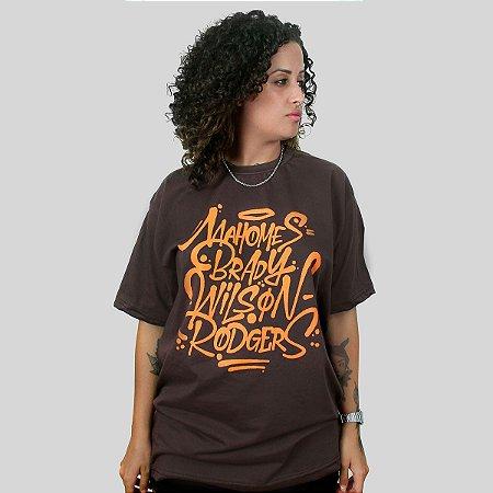 Camiseta The Fumble Favorites Marrom