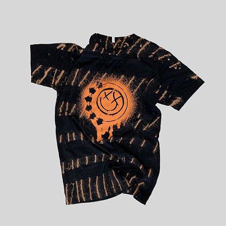 Camiseta BLINK-182 Smile Painted #001 - Tamanho P