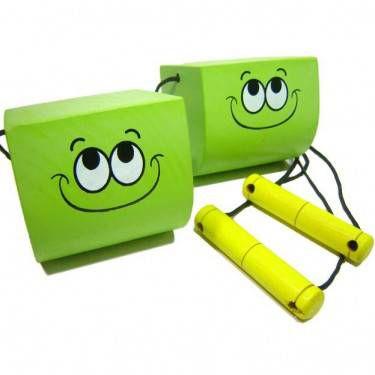 Equilibrista verde - Brincando ao ar-livre