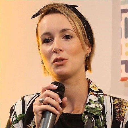 Aline Saito