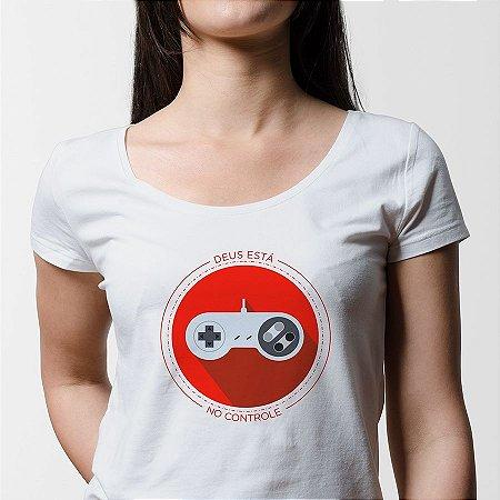 Camiseta Feminina Deus Está no Controle