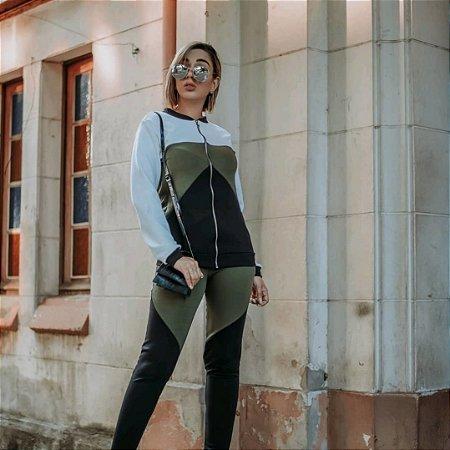 Conjunto de calça e blusa manga longa