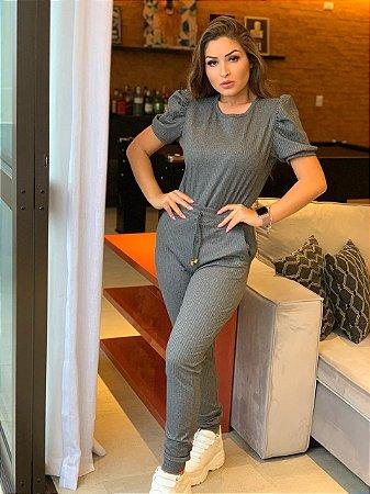 Conjunto de calça e blusa em malha canelada com elastano