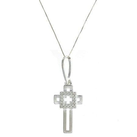 Colar de Prata com Pingente de Crucifixo Vazado com Pedras de Zircônias Brancas Blivejoias