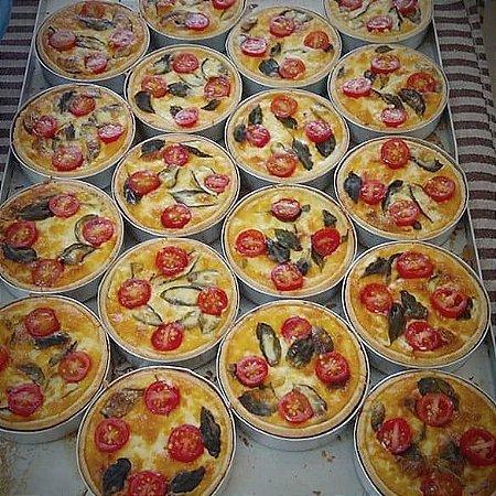 Mini Quiche de Tomate Cereja e Mussarela de Búfala 120 Gramas