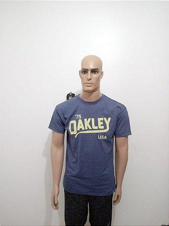 Camiseta Oakley sem detalhes - Cor da linha - Moda Online  3b6d0d3ba39