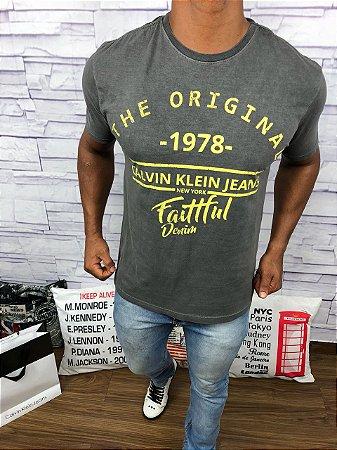 Camisetas Calvin Klein - BlassPace a sua marca está aqui c8391db280