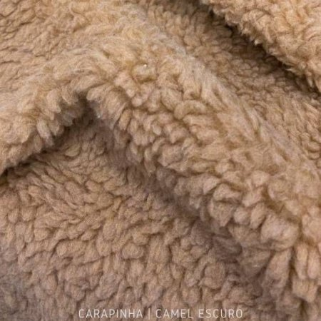 Carapinha Camel Escuro tecido pelúcia pelô Encaracolado e base firme